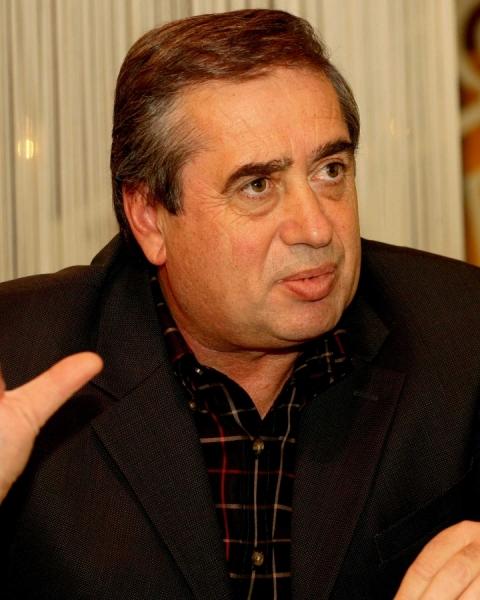 Ioan Niculae - miliardarul plângăcios